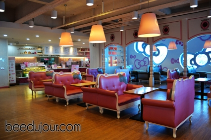 hello kitty jeju cafe inside