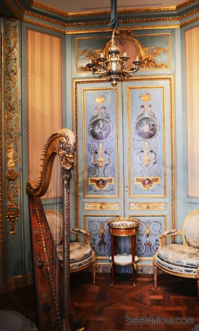 louvre museum music salon