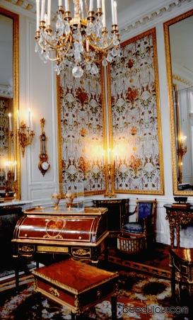 louvre museum salon