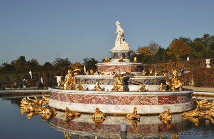 palace of versailles fountain 1
