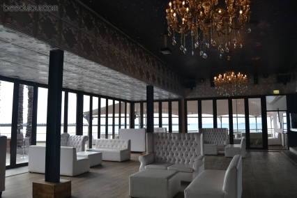 shimmy beach club lounge